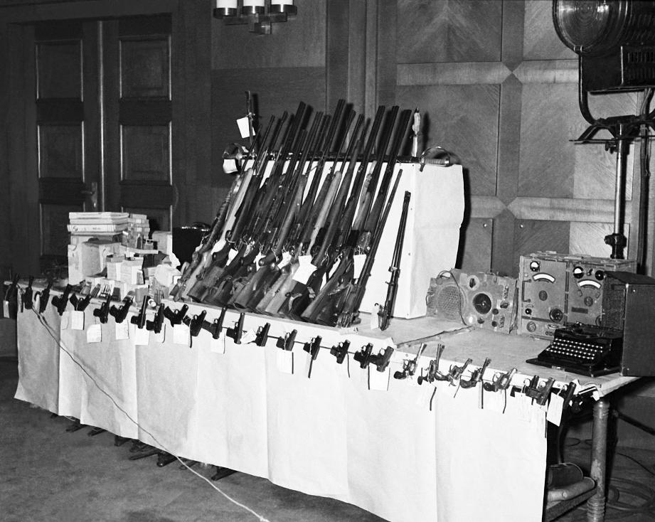 Waffen für den Umsturz
