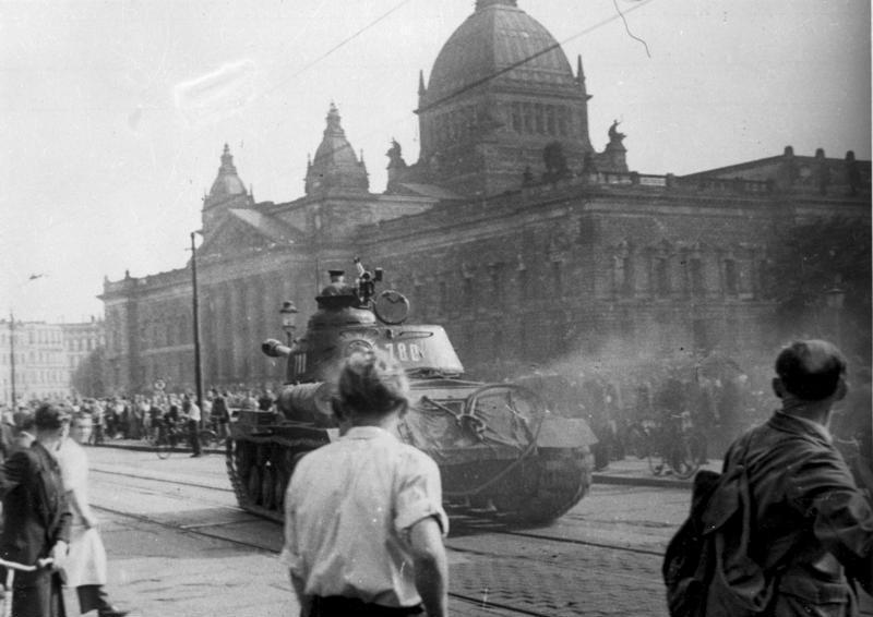Sowjetische Panzer in Leipzig